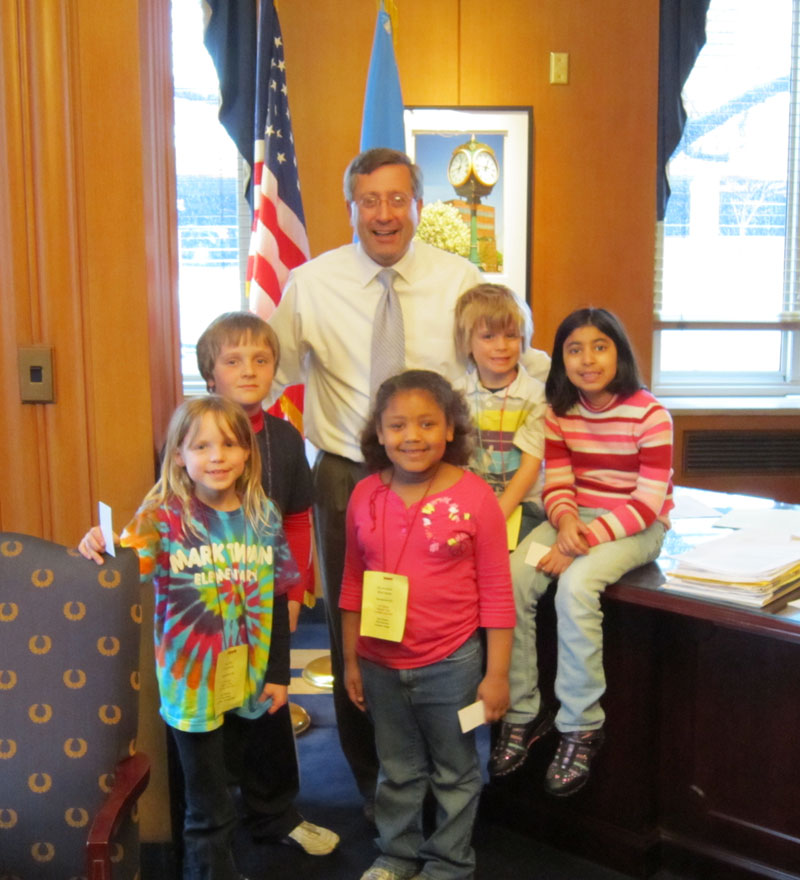 Mayor with Kids from Mark Twain